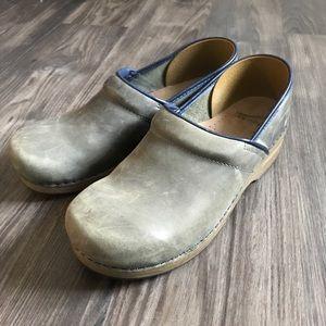 Dansko || Leather Clogs Size 41